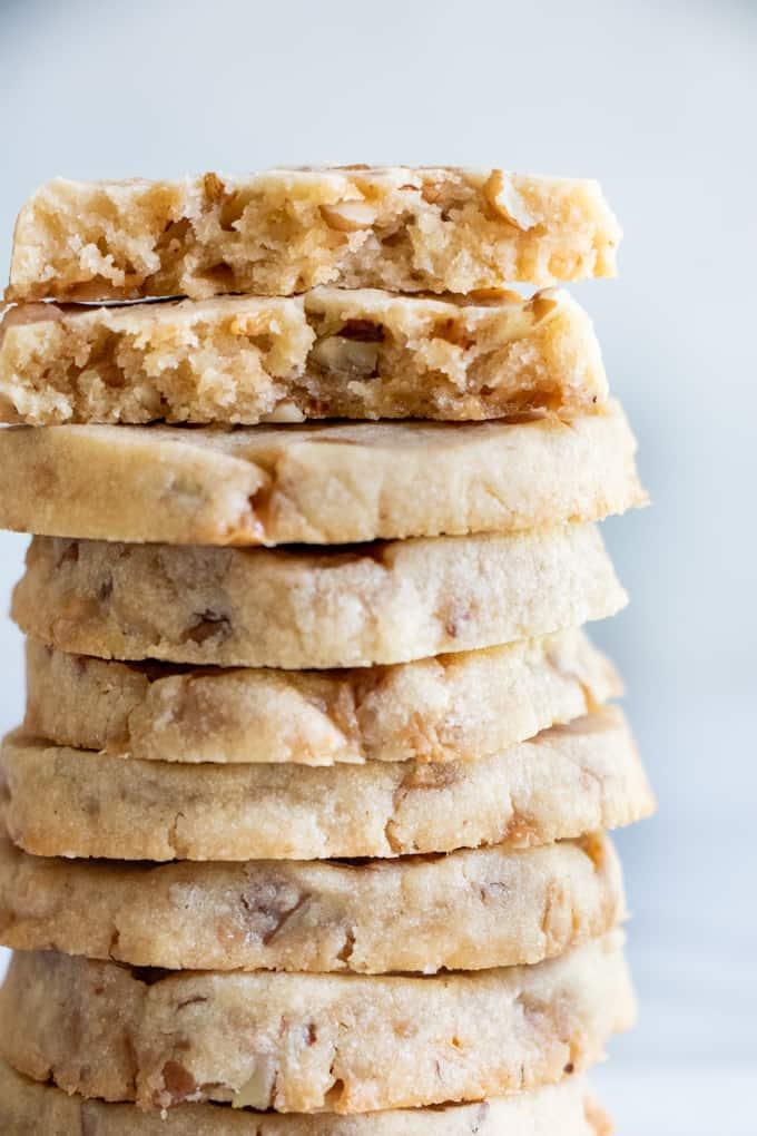 Butter-Pecan-Shortbread-Cookies-8