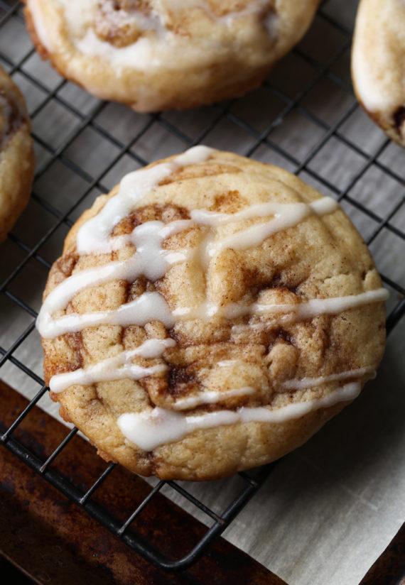 cinnaomrollcookies-7-570x824.jpg